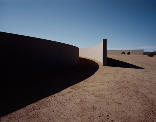 openhouse-magazine-ando-in-the-desert-architecture-meets-fashion-tom-fords-ranch-in-sante-fe-by-tadao-ando-guido-mocafico-photography-interview-lisa-eisner 1
