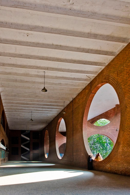 openhouse-magazine-beauty-in-brutalism-architecture-photography-louis-kahn-visual-archive-by-naquib-hossain 1