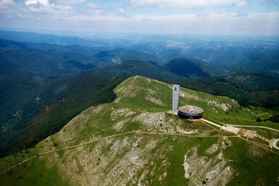 openhouse-magazine-ideological-dreams-buzludzha-architecture-shipka-bulgaria 1